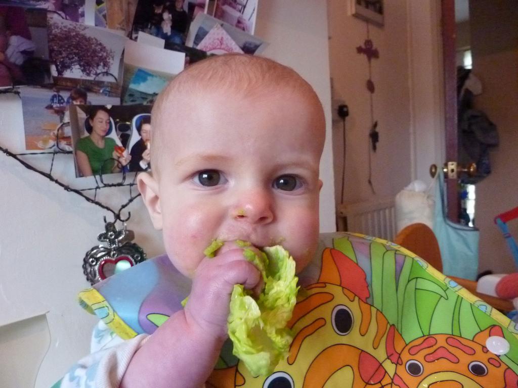 Pea puree on lettuce