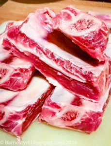 Raw short ribs
