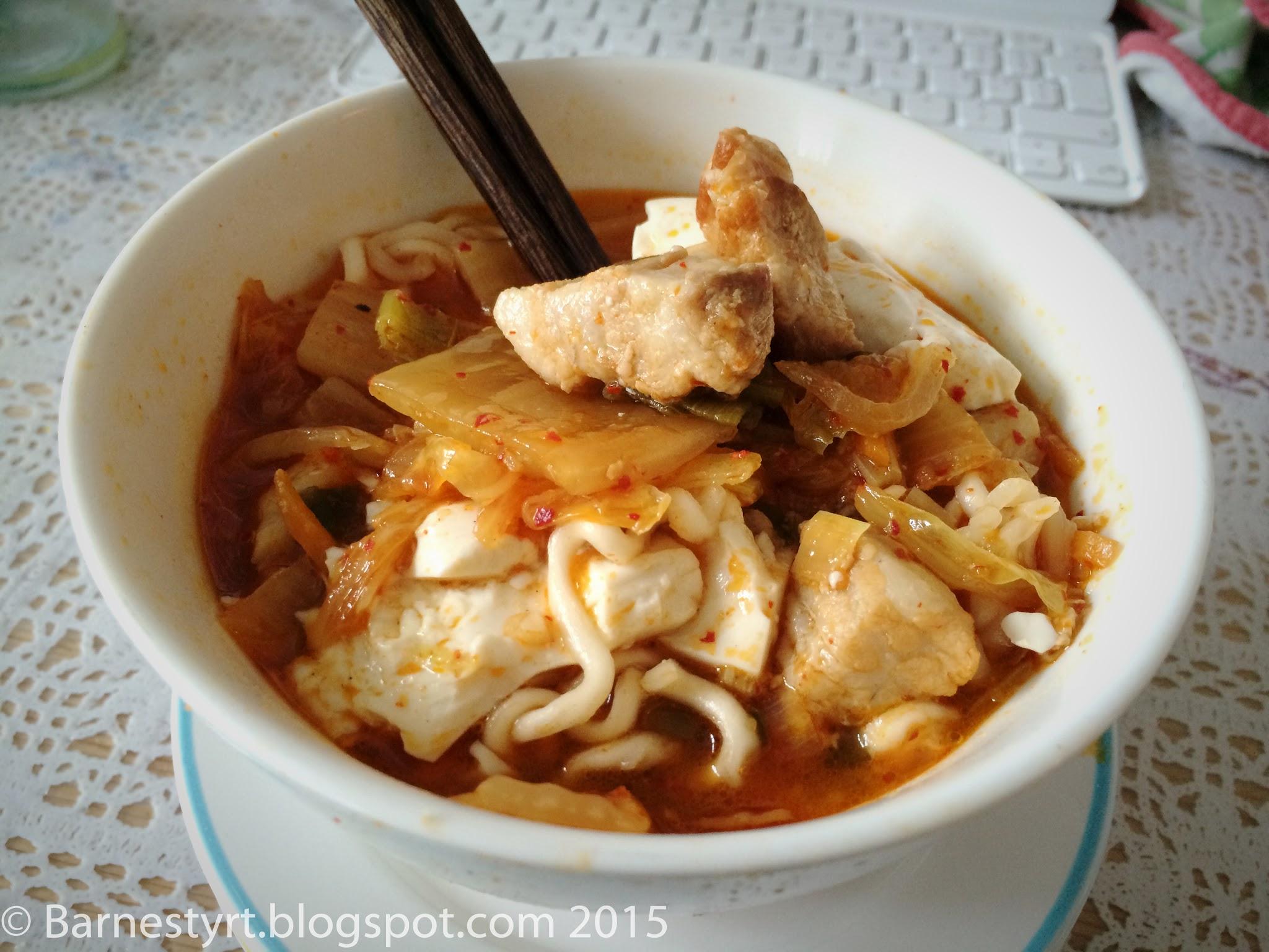 Kimchi jjigae with noodles