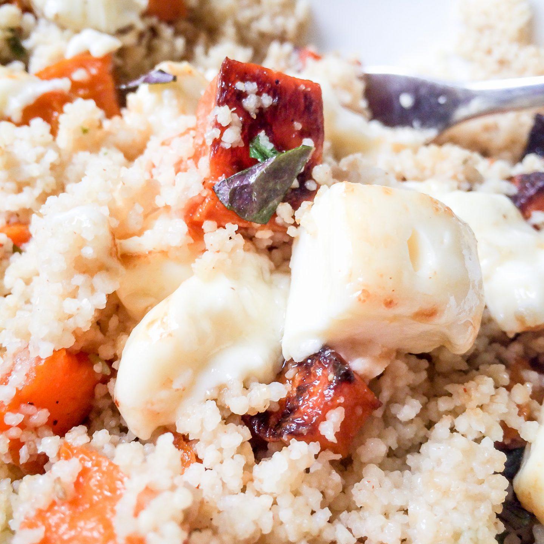 Oppskrift :: Søtpotetsalat med couscous og grillet ost